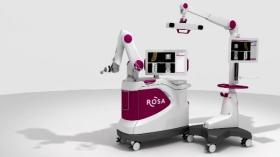 Rosa, le robot chirurgien qui opère le cerveau